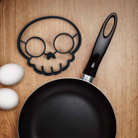 Formina per uovo all'occhio di bue - Skull Egg Ring