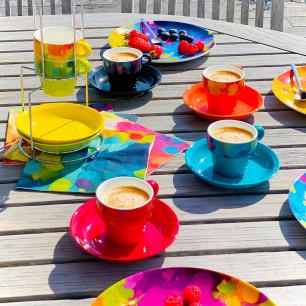 Stack of cups espresso - Café des artistes