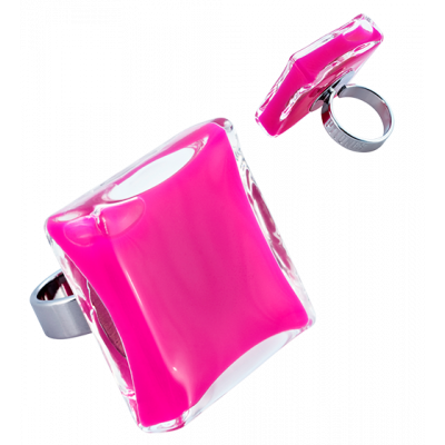Carre Giga Milk - Glass ring Fuchsia