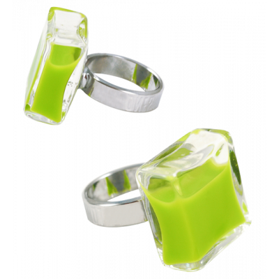 Anello in vetro - Carré Medium Milk Verde Chiaro